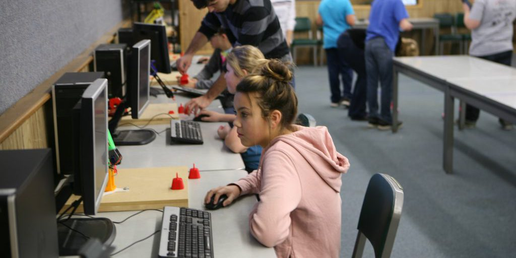 encouraging stem in middle schools